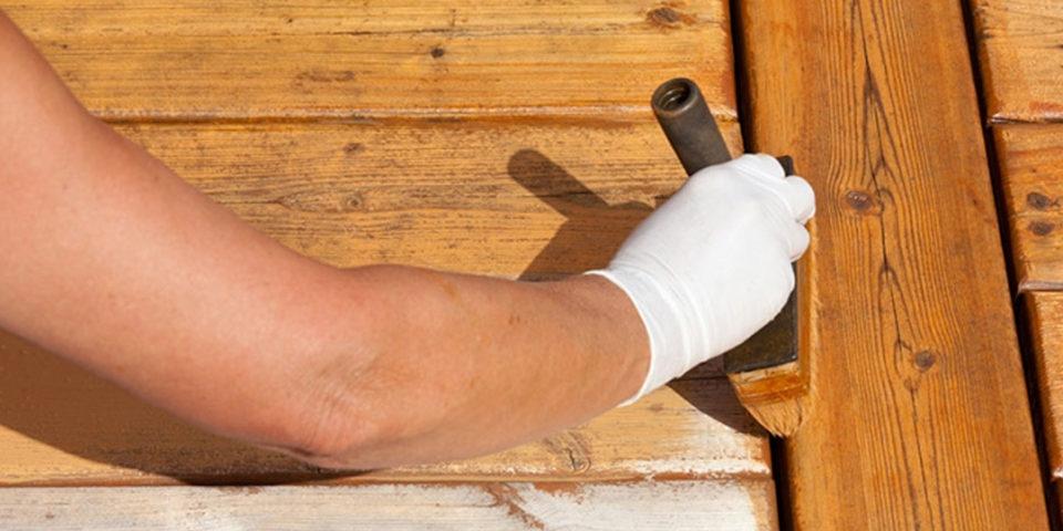 Lakierowanie drewnianego balkonu